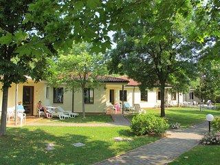 2 bedroom Apartment in Peschiera del Garda, Veneto, Italy : ref 5438790