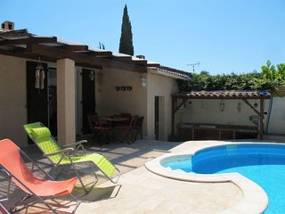 La Motte Holiday Home Sleeps 4 with Pool and Air Con - 5649983