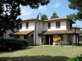 3 bedroom Villa in Lido delle Nazioni, Emilia-Romagna, Italy : ref 5434551