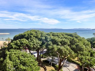 1 bedroom Apartment in Le Lavandou, Provence-Alpes-Côte d'Azur, France : ref 563
