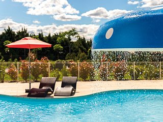 Cozy Holiday House in France | Pristine Outdoor Pool