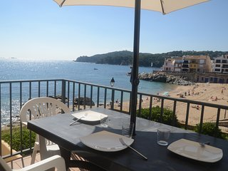 Calella de Palafrugell Apartment Sleeps 5 with Air Con - 5425215
