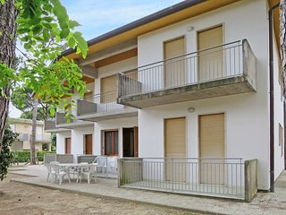 3 bedroom Apartment in Bibione Pineda, Veneto, Italy : ref 5434233