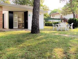3 bedroom Villa in Bibione Pineda, Veneto, Italy : ref 5641453