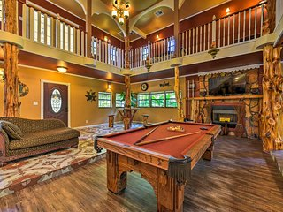 Spacious Conroe Home w/Foosball & Pool Table!
