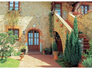 2 bedroom Apartment in Metato, Tuscany, Italy : ref 5540509