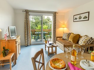 Cozy French Apartment | Close to the Beach and Dinard Golf Course