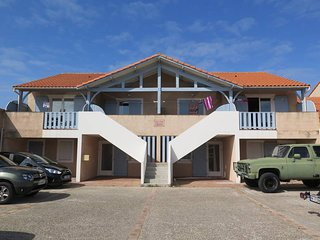 2 bedroom Apartment in Biscarrosse-Plage, Nouvelle-Aquitaine, France : ref 54348