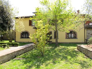 3 bedroom Apartment in Oliveto, Tuscany, Italy : ref 5651013