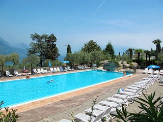 2 bedroom Apartment in San Felice del Benaco, Lombardy, Italy : ref 5438803