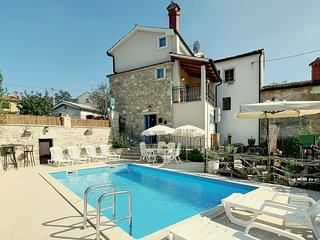 2 bedroom Villa in Karojba, Istria, Croatia : ref 5520541
