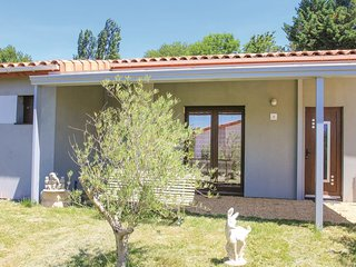 3 bedroom Villa in Charols, Auvergne-Rhône-Alpes, France : ref 5539393