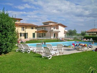 1 bedroom Apartment in Cunettone-Villa, Lombardy, Italy : ref 5516186