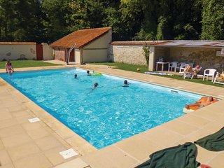 2 bedroom Apartment in Tancrou, Ile-de-France, France : ref 5605065