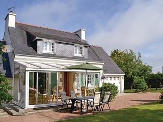 3 bedroom Villa in Lanmeur, Brittany, France : ref 5546873