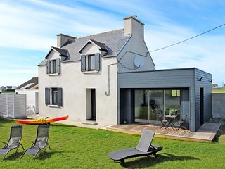 4 bedroom Villa in Saint-Égarec, Brittany, France : ref 5649856