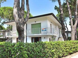 2 bedroom Villa in Lignano Riviera, Friuli Venezia Giulia, Italy : ref 5434500
