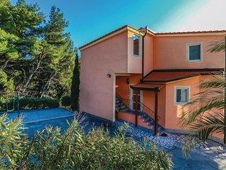 3 bedroom Apartment in Zura, Splitsko-Dalmatinska Zupanija, Croatia : ref 554395