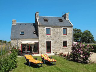 4 bedroom Villa in Cleder, Brittany, France : ref 5438067
