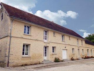 4 bedroom Villa in Villeneuve-les-Bordes, Ile-de-France, France : ref 5565578