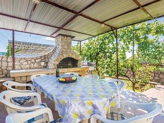3 bedroom Villa in Omisalj, Primorsko-Goranska Zupanija, Croatia : ref 5564942