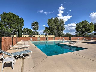 NEW! Green Valley Studio w/ Pool Access by Golf!