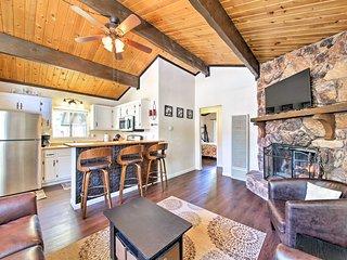 Cozy Big Bear Cabin w/ Spacious Deck & Fireplace!