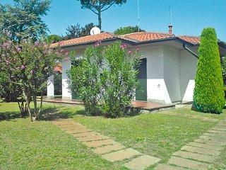 3 bedroom Villa in Lido delle Nazioni, Emilia-Romagna, Italy : ref 5434546
