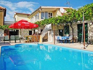 3 bedroom Apartment in Primošten, Croatia - 5437265