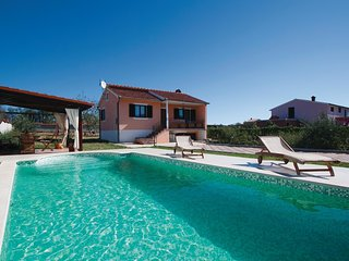 2 bedroom Villa in Cukrići, Istria, Croatia : ref 5520457