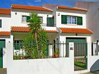 3 bedroom Villa in Lapa da Serra, Lisbon, Portugal : ref 5642799