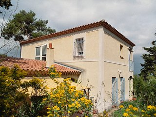3 bedroom Villa in Villeneuve-les-Avignon, Occitania, France : ref 5514314