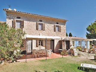 2 bedroom Villa in Le Pradet, Provence-Alpes-Côte d'Azur, France : ref 5539085