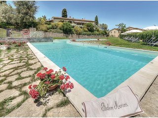 2 bedroom Apartment in Sant'Antonio, Tuscany, Italy : ref 5540347