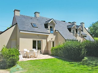 2 bedroom Apartment in Kerfalher, Brittany, France - 5642478