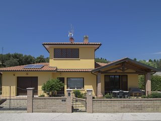 3 bedroom Villa in Suvereto, Tuscany, Italy : ref 5586171