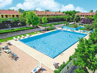 2 bedroom Apartment in Ca Grande Pineda, Veneto, Italy : ref 5641431