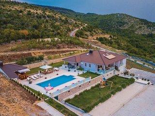 5 bedroom Villa in Dipici, Splitsko-Dalmatinska Županija, Croatia : ref 5551780
