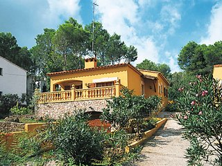 3 bedroom Villa in Mas Pinell, Catalonia, Spain : ref 5435563