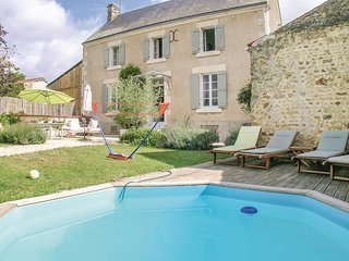 3 bedroom Villa in Marsais-Sainte-Radegonde, Pays de la Loire, France : ref 5549