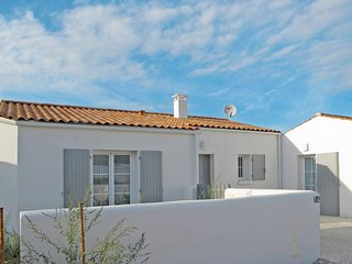 3 bedroom Villa in Saint-Georges-d'Oleron, Nouvelle-Aquitaine, France : ref 5436