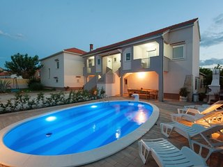 Holiday house Toni with swimming pool - Adriatic Luxury Villas W7