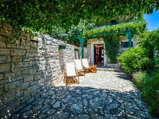 Beautiful stone house near the beach - Adriatic Luxury VIllas W15