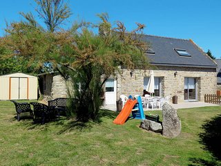 3 bedroom Villa in Plouhinec, Brittany, France : ref 5441377