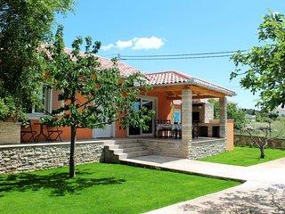 Beautiful Dalmatian house - Adriatic Luxury VIllas W32
