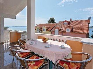 2 bedroom Apartment in Srima, Sibensko-Kninska Zupanija, Croatia : ref 5570001
