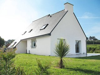 3 bedroom Villa in Trégastel-Plage, Brittany, France : ref 5436366