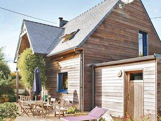3 bedroom Villa in Plouneour-Trez, Brittany, France : ref 5538918