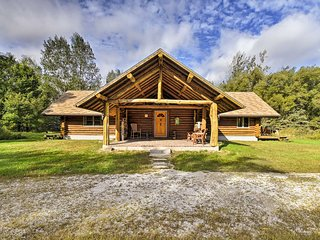 Valders Log Cabin near EEA Air Show & Sheboygan!