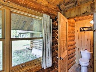 Valders Log Cabin near EEA Air Show & Sheboygan!